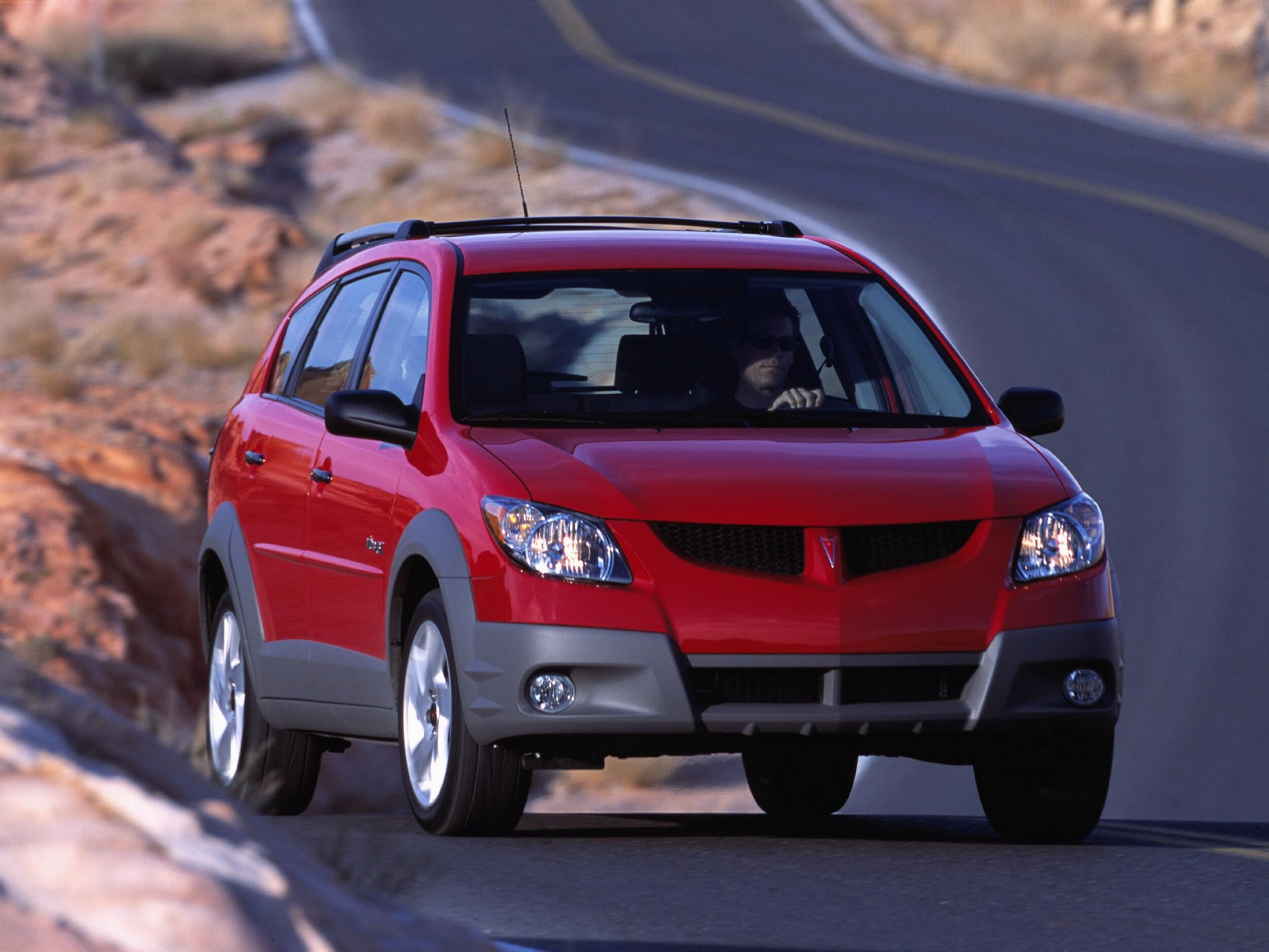Pontiac Vibe Hatchback (1 generation) 1.8 MT (132 HP) photo, Pontiac Vibe Hatchback (1 generation) 1.8 MT (132 HP) photos, Pontiac Vibe Hatchback (1 generation) 1.8 MT (132 HP) picture, Pontiac Vibe Hatchback (1 generation) 1.8 MT (132 HP) pictures, Pontiac photos, Pontiac pictures, image Pontiac, Pontiac images
